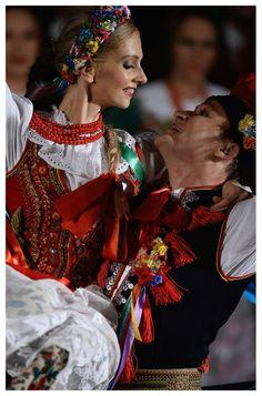 """Kraków folk costume - Zespół Pieśni i Tańca """"Śląsk"""", Poland"""