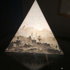 Luminária Leve - temática Guignard.