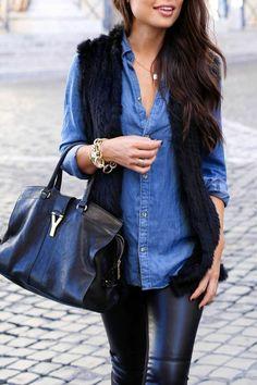 tenue avec chemise en jean, style élégant et féminin