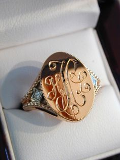 A feminine approach to the classic gold signet ring by Maker Bill Reidsema. What will you have created? www.custommade.com
