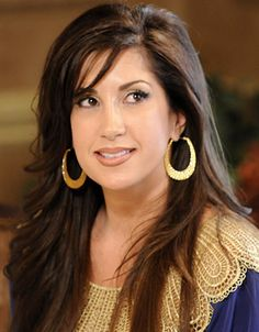 Jacqueline Laurita- fav. of the group, just wants everyone to get along...and I love everything she wears! Yes, we once watched a season of RHW of NJ...don't judge! lol