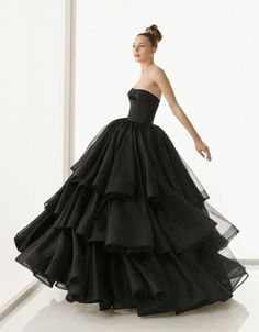 My dress! I absolutely love my maids, I think I might use it in my next book!~Theodosia