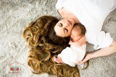 Stunning newborn baby and mommy picture! | Newborn Photographer Denver Colorado | J Amado Photography