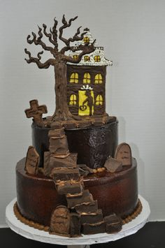scary halloween cake makes a tasty centerpiece - Scary Halloween Dessert