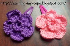 Crochet Flower Hair Clips (Free pattern for the flowers!)