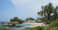 10 lugares que deberías visitar si viajas a Colombia. Colombia es un hermoso país ubicado en América del Sur. Su amplia geografía está llena de lugares fascinantes y exóticos que convierten a este país en un destino turístico digno de visitar, conocer y admirar. Colombia posee playas de ensueño, selvas enigmáticas, desiertos, montañas y muchos ...