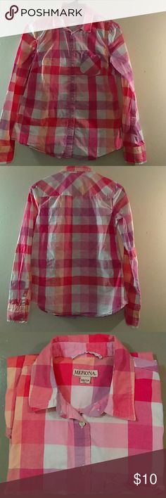 Women's size xs/tp button down Merona shirt Mint condition Merona Tops Button Down Shirts
