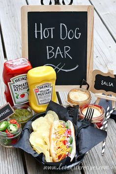 DIY Graduation Party Hot Dog Bar and Mini Mason Jar Pies/. How adorable is this idea? The perfect outdoor graduation BBQ party. Outdoor Graduation Parties, Graduation Party Foods, Graduation Party Planning, Graduation Celebration, Graduation Decorations, Graduation Party Decor, Grad Parties, Graduation Ideas, Graduation Gifts
