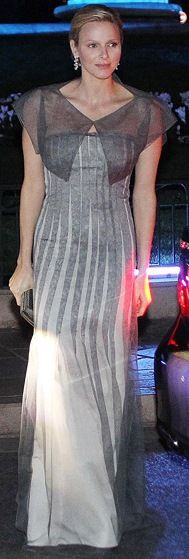 March 2012 The royal stopped by a Martell cocktail event in Monaco wearing a vertically striped gray gown topped off with a sheer bolero. Agent Provocateur, Robe Diy, Grey Gown, Style Royal, Estilo Real, Monaco Royal Family, Princess Stephanie, Glamour, Diy Dress