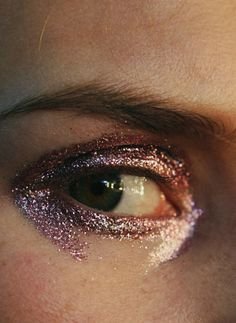 lucent-stars:   silverscents:  Backstage at Helen Lawrence F/W 2014  xx