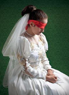Ülkemizde 18 yaşından küçük kız çocuklarını evlendirmek isteğiyle mahkemelere başvuran ailelerin sayısı önceki yıla göre yüzde 94 artmış. #KurbanOlamam