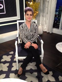 Kelly on the set of Fashion Police