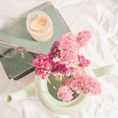 Mirror, Instagram, Books, Home Decor, Mariana, Libros, Decoration Home, Room Decor, Mirrors