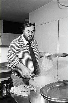 Luciano Pavarotti cooks some post-concert pasta while in Tel-Aviv.