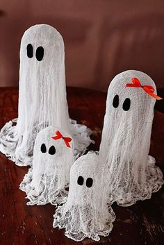 diy halloween decorations tiny ghost figures this miniature ghost family figure in cheesecloth looks - Halloween Table Decorating Ideas