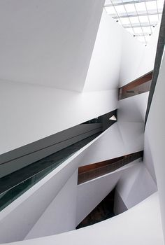 _DSC2357-Edit.jpg by Michaël Jacobs, via Flickr    Tel Aviv Museum of Art