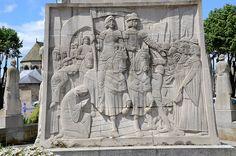 Soissons (Aisne) - Monument aux morts