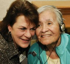 Seniors use music to help with dementia
