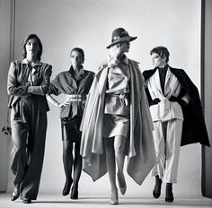 The Libertine Magazine.'The Nude In Vogue'.Helmut Newton For Vogue Russia. Newton Photography, Fine Art Photography, Fashion Photography, Amazing Photography, Photography Ideas, Vogue Paris, Mario Testino, Steven Meisel, Vogue Russia