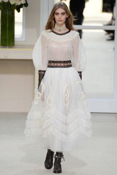 Vogue.com   Ready To Wear 2016 Fall Chanel Collection