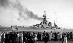 Battlecruiser Hood (51) in Australia, 1924 Hms Hood, Heavy Cruiser, Capital Ship, Visit New Zealand, Naval History, Military History, Navy Ships, Aircraft Carrier, Royal Navy