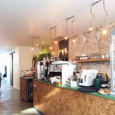 Vanaf vandaag open: nieuw koffietentje in de Vijfhoek. Wij proeven vandaag meteen even bij Native #haarlem #haarlemcityblog #breestraat #vijfhoek #koffie