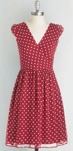Fun polka dot dress, I need sleeves, 3/4 would be perfect for me
