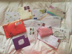 ♡ Pinterest: @fragilefranco Pen Pal Letters, Cute Letters, Aesthetic Letters, Snail Mail Pen Pals, Mail Art Envelopes, Envelope Art, Handwritten Letters, Happy Mail, Letter Writing