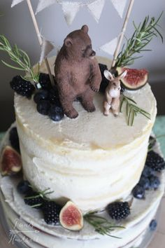 Feines Handwerk: Baby Shower Party mit einem bärigen Woodland Naked Cake