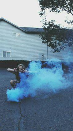 vintage #hipster #grunge #alternative #photography #aesthetic #girl #street #road #blue #smoke #blue smoke #smoke bomb #Moda #Kombinler #Kombin_Önerileri #Sokak_stili #fashion #Güzellik #ünlüler #ünlü_Modası #Cilt_Bakımı #Saç_Modelleri #Abiyeler #Abiye_modelleri #Magazin #Tarz #Kuaza