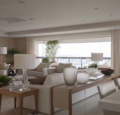 Home Living Room, Interior Design Living Room, Living Room Designs, Living Room Decor, Dining Room Centerpiece, Design Salon, Transitional Home Decor, Living Room Mirrors, Elegant Living Room