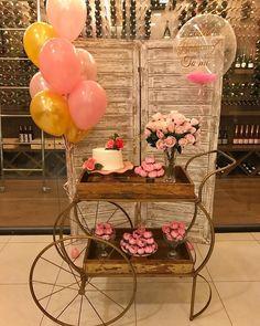 #repost @danyfestas via @PhotoAroundApp  E claro que não podia passar em branco meus 32 anos. 🎉🎊🎉🎀🎉🎊 28/07/18 Obrigada todas que fizeram… Spa Birthday, 20th Birthday, Happy Birthday, Wedding Backdrop Design, Pallet Wedding, Marriage Decoration, Gold Bridal Showers, Its My Bday, Balloon Bouquet