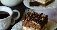 Jedno z moich ulubionych ciast :). Zresztą, jakby mogło być inaczej skoro kocham Tiramisu w jego klasycznym wydaniu ;). Puszyste kawowe b... Tiramisu, Food, Essen, Meals, Tiramisu Cake, Yemek, Eten
