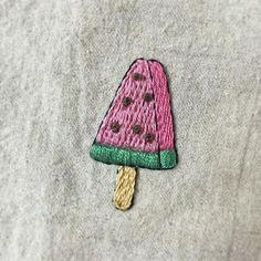 . 여름 내 달고 살았던  #아이스바 #icebar #하드 #아이스크림 . 어렸을때부터 좋아했던  #수박 모양의 #수박바  . #프랑스자수 #손자수 #자수타그램 #embroidery #handstitch #handmade  #watermelon  #프롬유_자수일기
