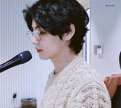 𝑻𝒂𝒆𝒉𝒚𝒖𝒏𝒈 (𝑩𝑻𝑺 𝑽) taehyung hot handsome curly hair perm dark aesthetic daddy boyfriend material look suite fashion bts bangtan edit photo sexy 2020 babyboy vlive Bts Taehyung, Jimin, Bts Bangtan Boy, Bts Boys, Daegu, Billboard Music Awards, Foto Bts, Btob, Bts Video