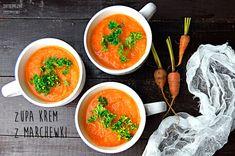 Zupa krem z marchewki z kminem rzymskim 500 g marchewki 1 cebula 3 ząbki czosnku 2 łyżki soku z cytryny łyżeczka oliwy  garść natki pietruszki sol, pieprz, kmin rzymski mielony, curry