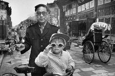 Marc RIBOUD :: La ville de Pingyao, vieille de 2500 ans, Chine, 2001