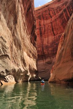 Lake Powell kayaking Trip Itinerary May 1 – September 30 – Check in at the Colorado River Discovery Welcome Center Lake Powell, Oh The Places You'll Go, Places To Travel, Places To Visit, Kayak Camping, Canoe And Kayak, Kayaks, Rafting, Grand Canyon