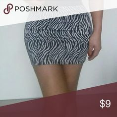 Mini skirt with size Small Description never used need to empty my closet,this mini skirt is Small with a elastic band on the waist,will fit waist size 27 to 29 length is 14 inches Skirts Mini