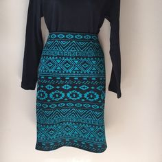 *NWT* Aztec Body Con Skirt Brand new with tags. Aztec printed body con skirt. Perfect for all occasions and in perfect condition! I accept all offers through the offer button! Let me know if you have any questions about measurements or bundling! Forever 21 Skirts Pencil