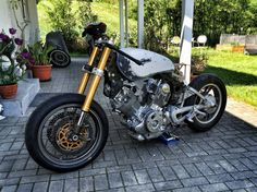 Yamaha Virago XV750 Cafe Racer -> ready to race (nearly)
