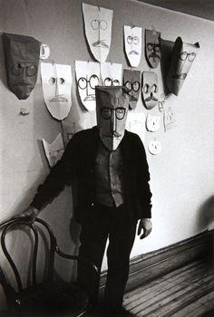 Saul Steinberg, Manhattan, 1959 by Inge Morath. S)