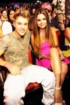 Amigos de Selena no queríanque volviera con Bieber