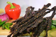 How to make spicy biltong chili bites (peri-peri snap sticks) Jerky Recipes, Spicy Recipes, Meat Recipes, Appetizer Recipes, Healthy Recipes, Appetizers, Peri Peri Recipes, Pork Jerky, Cooking