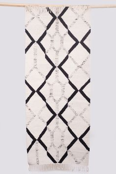 comb home 2015 cotton warp / wool weft 75 x 200 cm  Editions of 10. HK$16,800