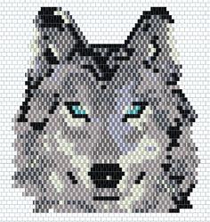 DIY brickstitch weaving with miyuki : wolf - Perles & Co Native Beading Patterns, Seed Bead Patterns, Loom Bands, Motifs Perler, Beaded Banners, Peyote Stitch Patterns, Beaded Crafts, Cross Stitch Animals, Beaded Animals