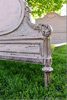 DIY: French Bed Facelift - tutorial on how to get this awesome paint finish!!! This is one of the prettiest paint finishes - ever!