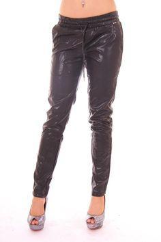 Broek van Jacky Luxury in zwart leren joggingmodel