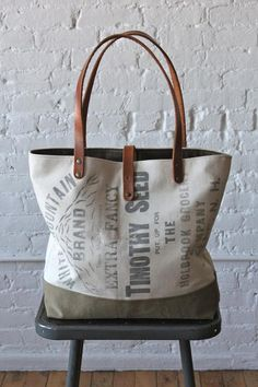 era White Mountain Brand Seed Bag Carryall 💗💗💗 want one of her bags Diy Tote Bag, Tote Purse, Notebook Bag, Purses And Bags, Women's Bags, Tote Bags, Diy Bags, Types Of Bag, Linen Bag