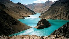 Yamdrok Tso in Tibet